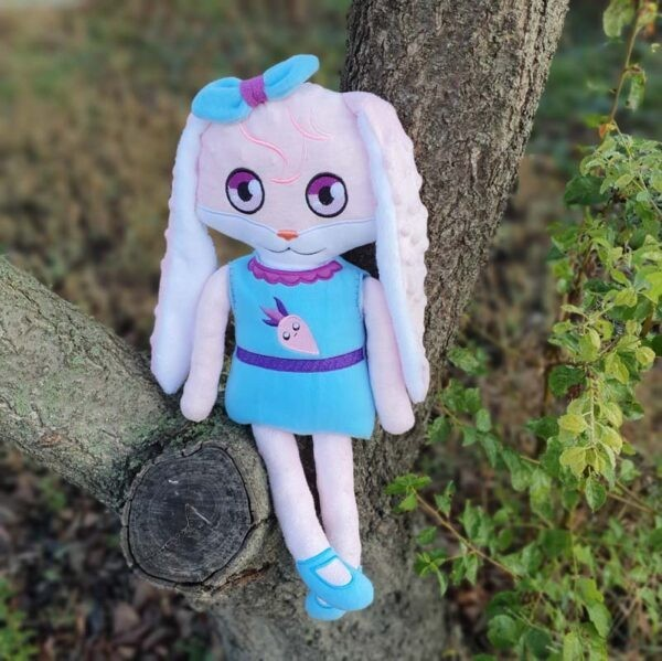 bunny Doll 4 SIZES machine embroidery ith